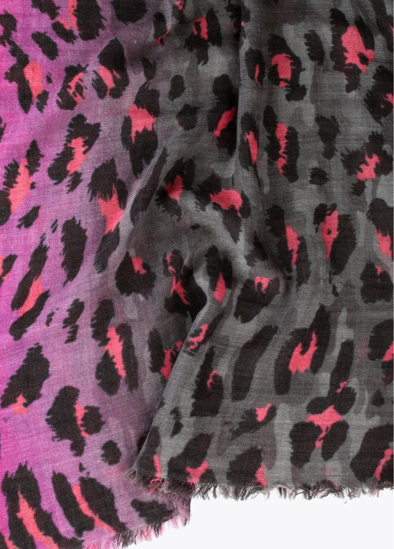 Chal leopardo degradado fucsia, estampado