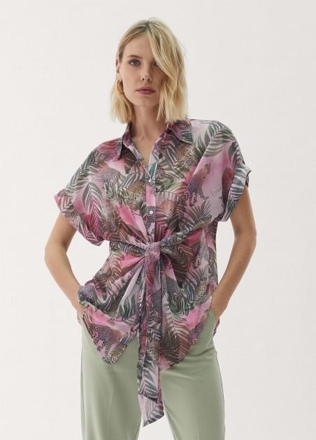 Blusa estampado tropical...
