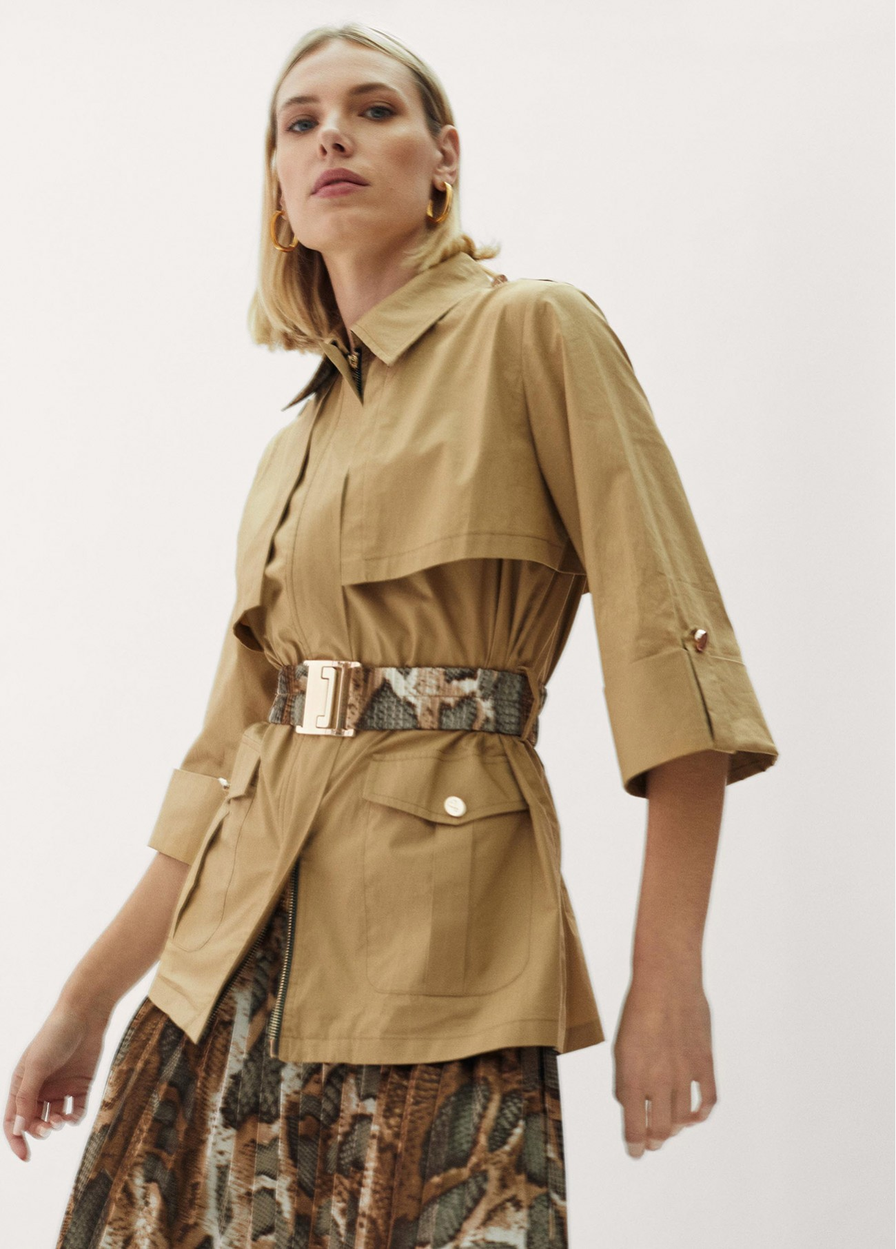 Chaqueta trench 3/4 estilo safari