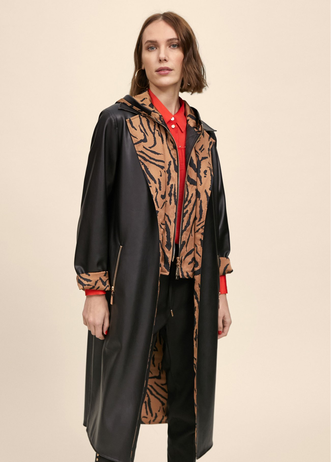 Trench coat with hood and embellished an