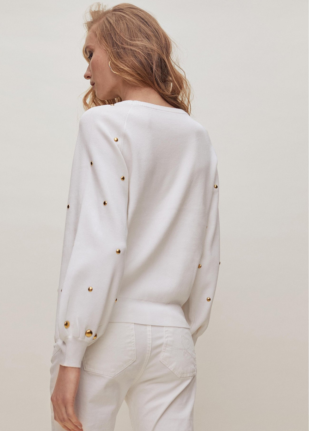 Pull over with boat neck and studs on sl