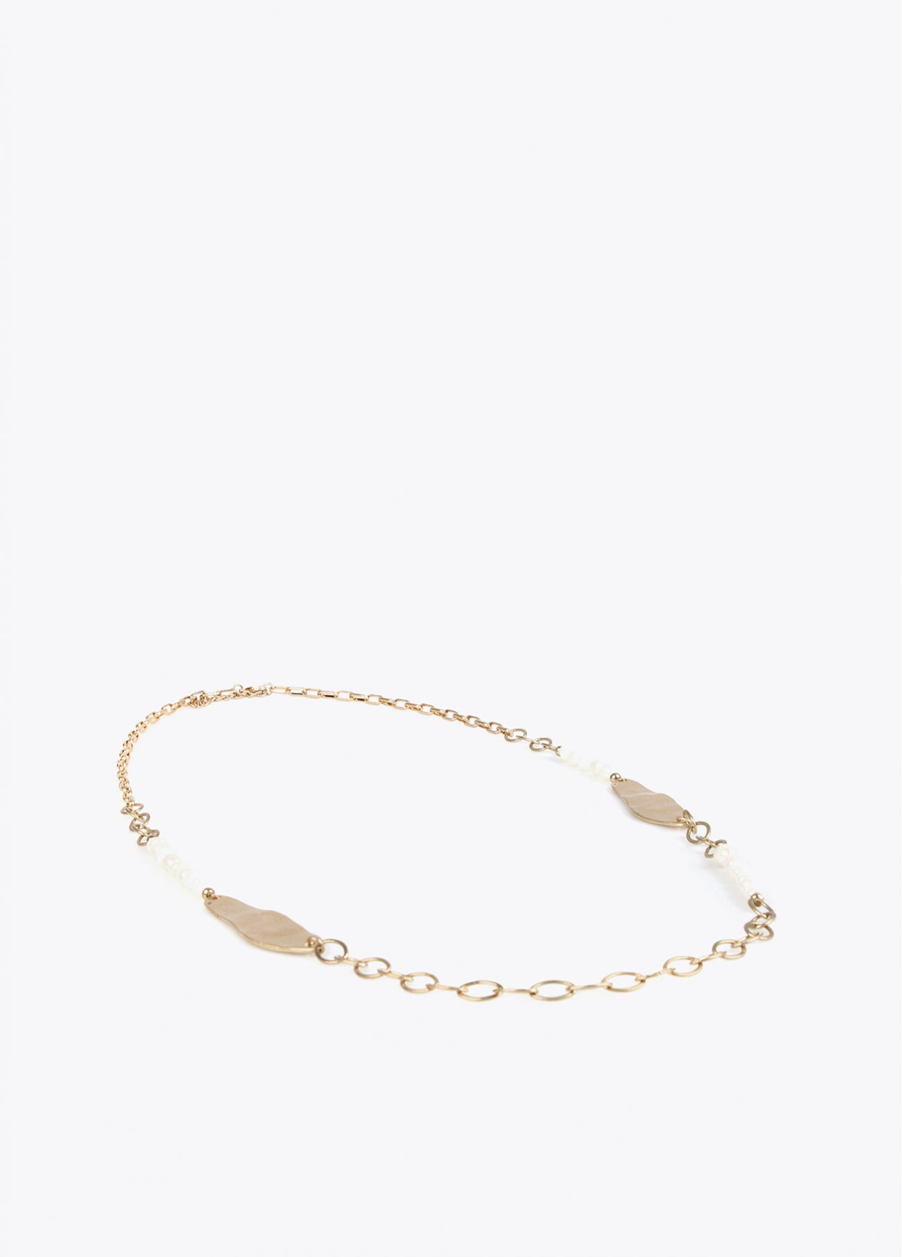 Gold chain and pearls necklace