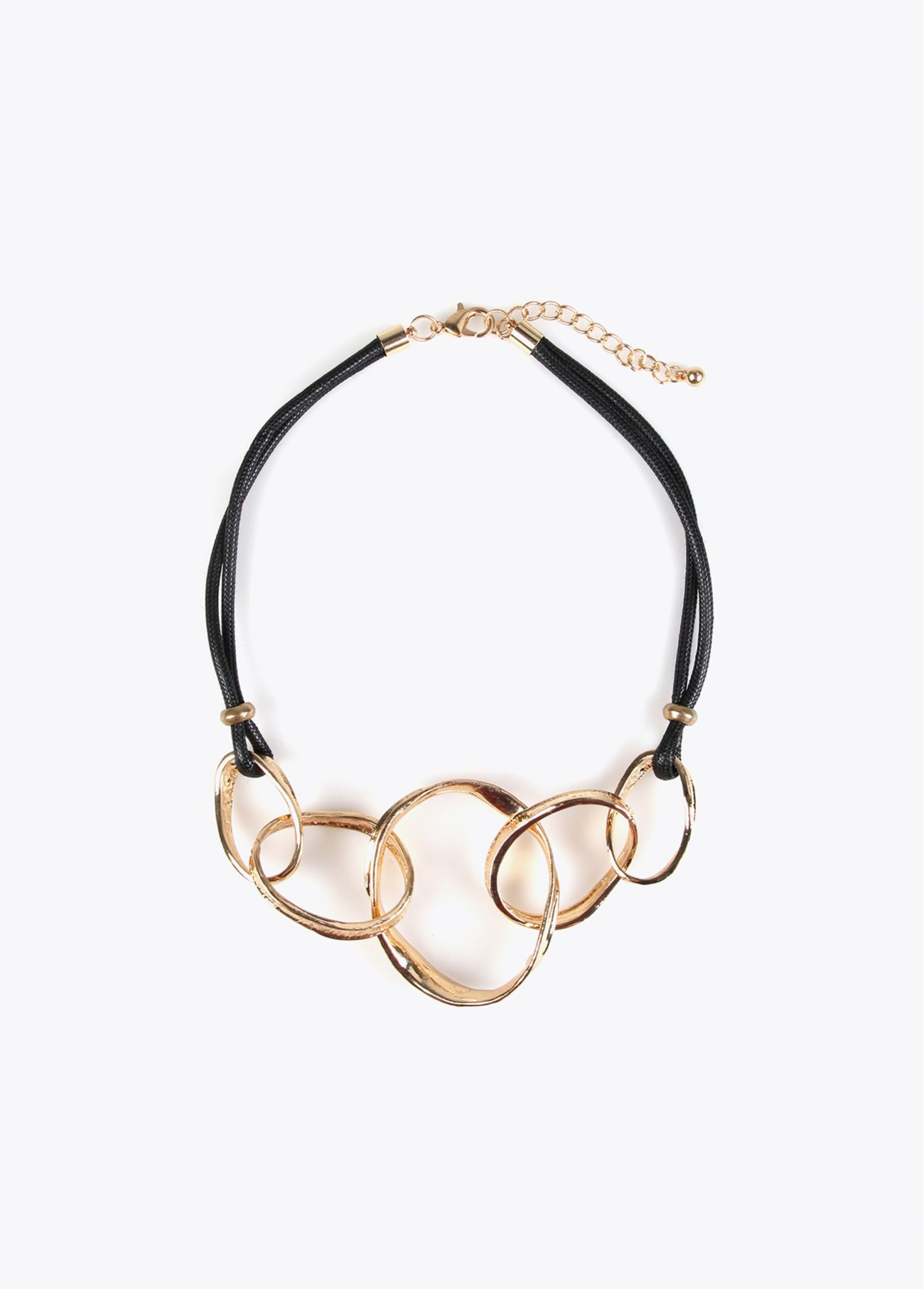 Short necklace with golden rings