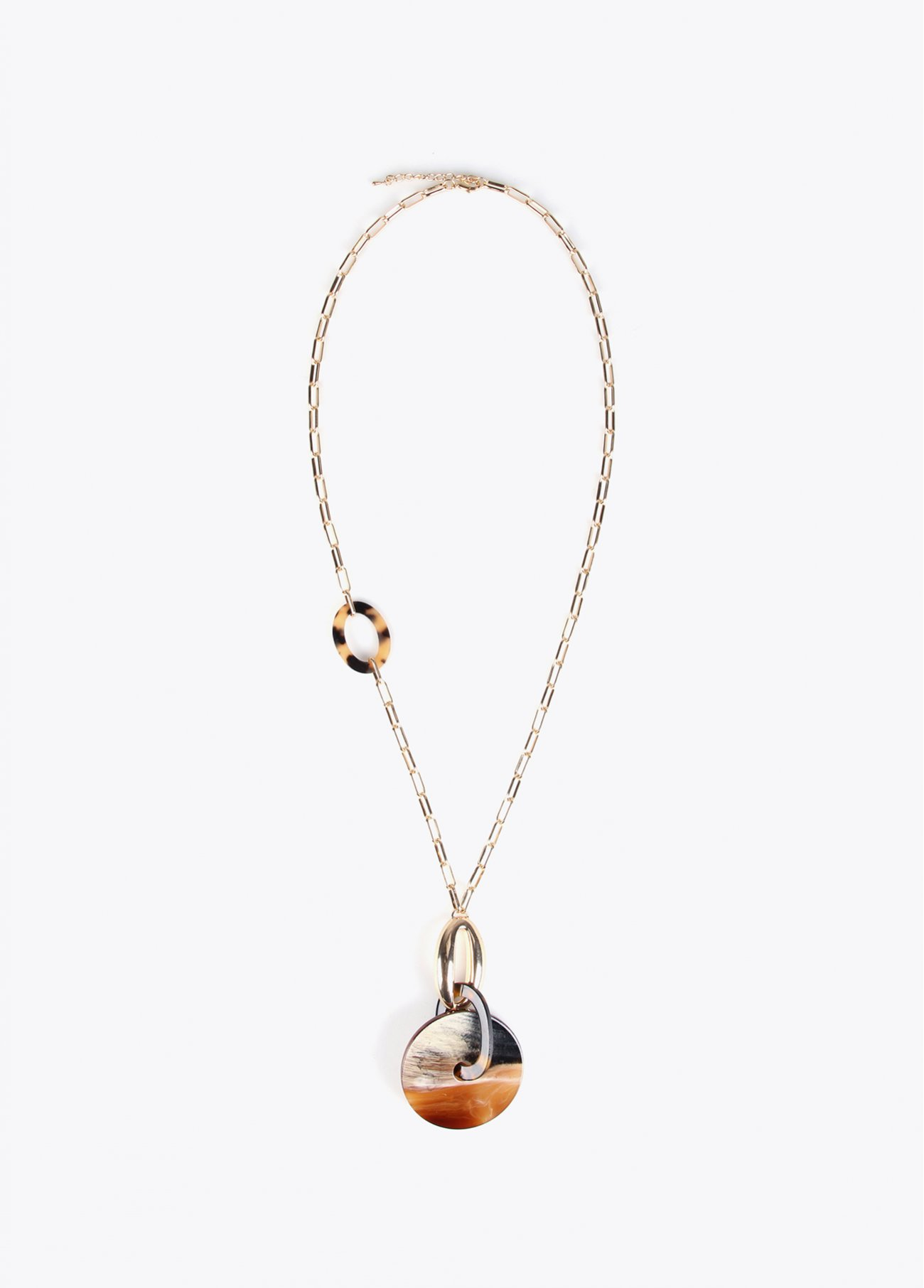 Long necklace with animal print resin pe