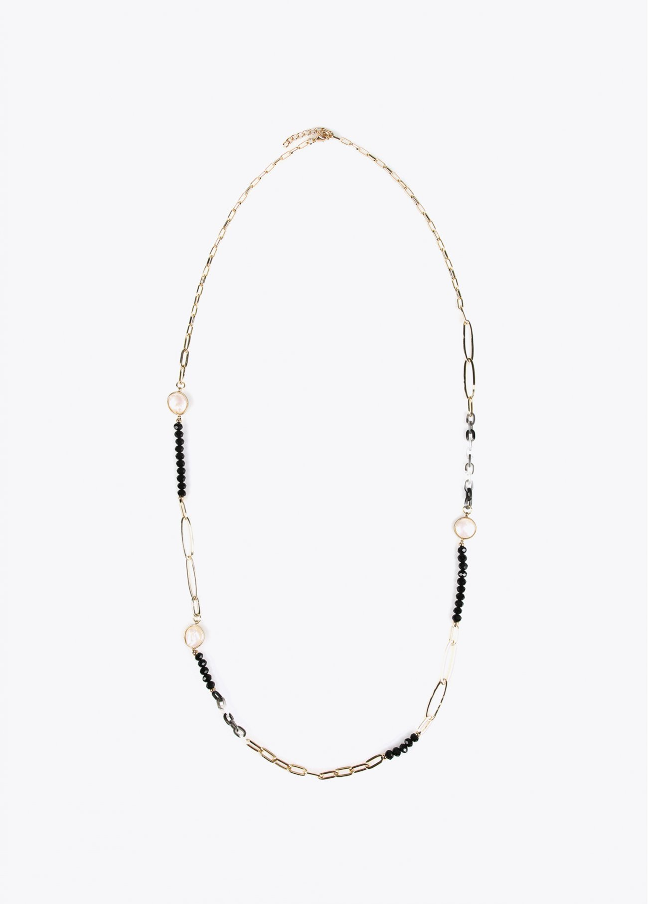 Long necklace with faux pearls and facet