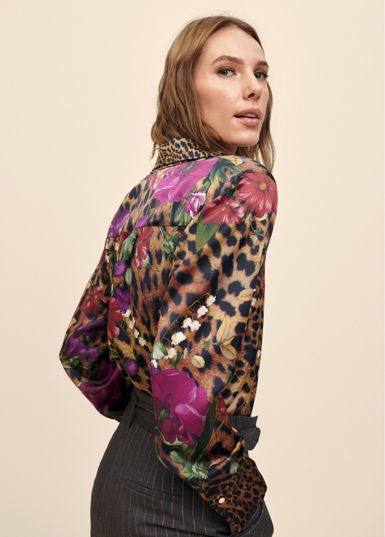 Blouse with combo print