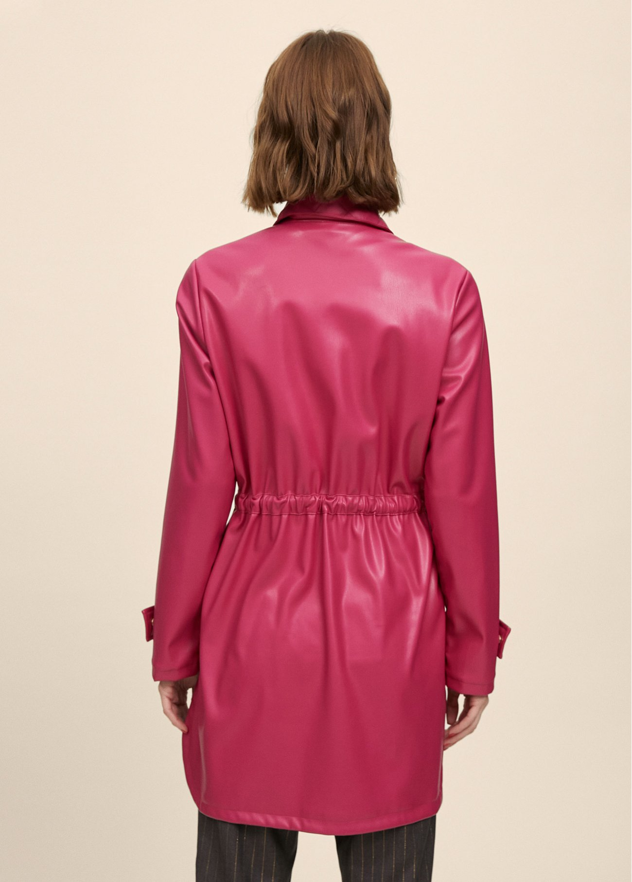 Jacket with details at front pockets and